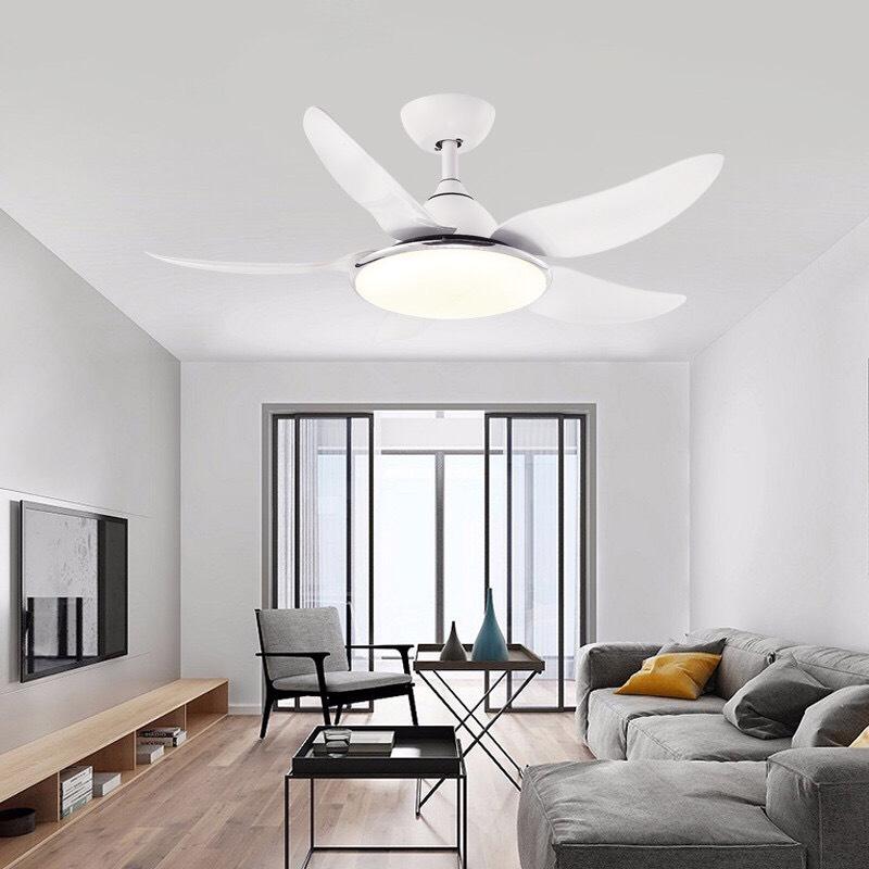 Quạt trần có đèn LED có thiết kế sang trọng, mang tính thẩm mỹ cao