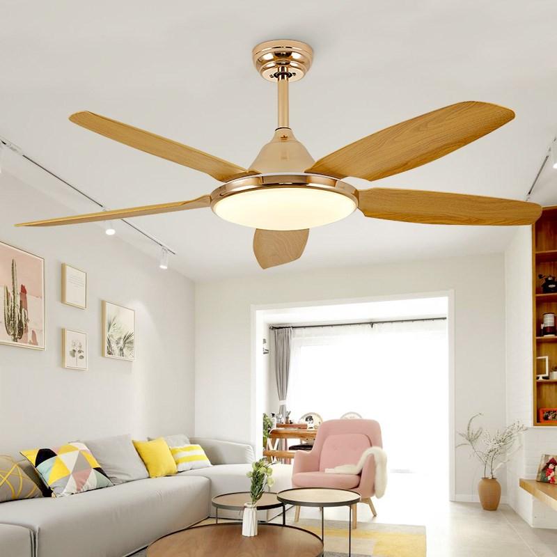 Quạt trần trang trí phòng khách phải đảm bảo sự an toàn